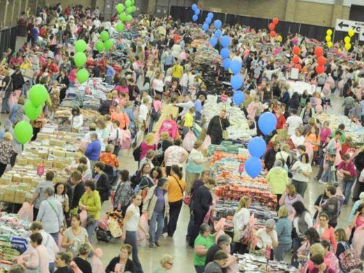 Vera Bradley Outlet Sale aisles