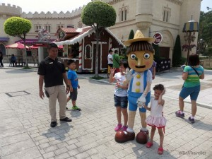 Meeting Pinocchio at Universal Studios, Singapore