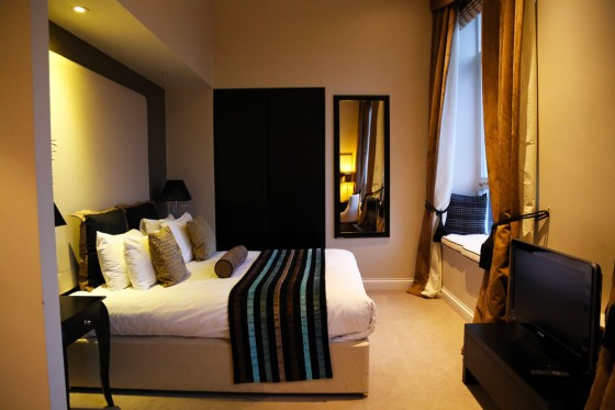 Edinburgh Luxury accommodation, Fraser Suites bedroom