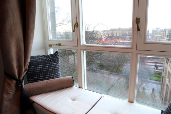 Edinburgh Luxury accommodation, Fraser Suites window