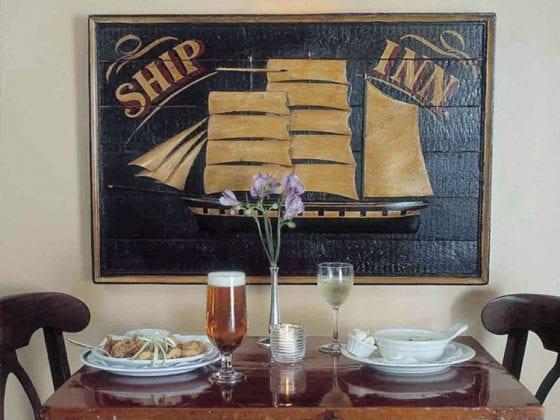 Ships Inn dining