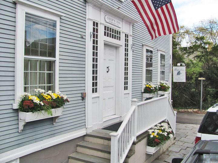 Ships Inn Nantucket Machusetts